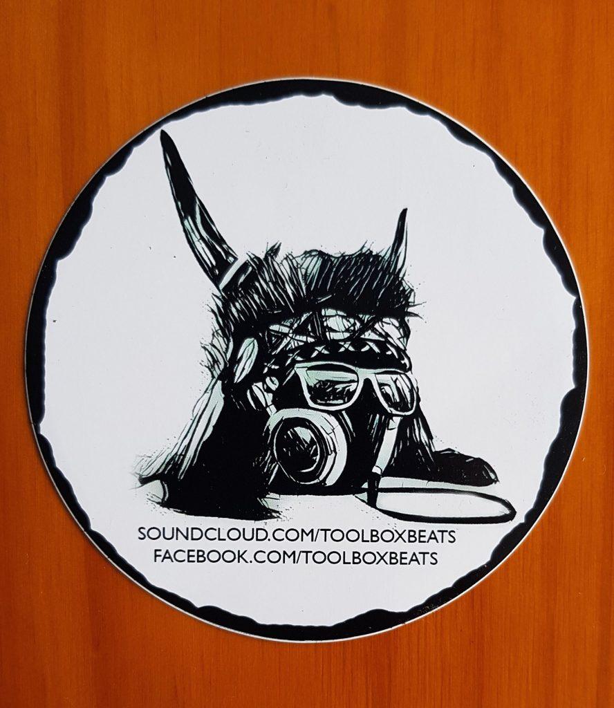 Sticker mit Toolbox-Logo