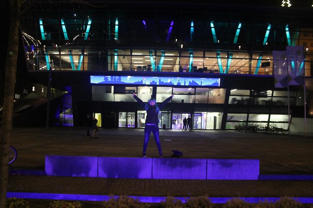 Darmstadtium bei Nacht
