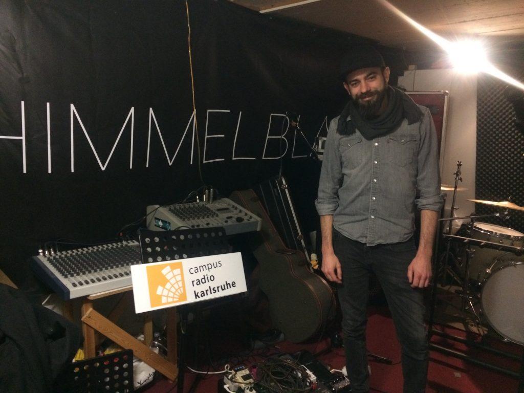 Musiker von Himmelblau im Musikstudio